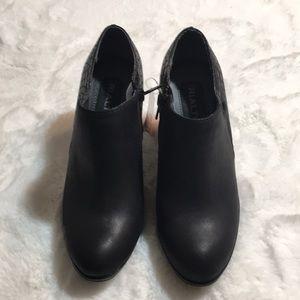 Rialto Phiona Black Booties size 6.5 M NWT